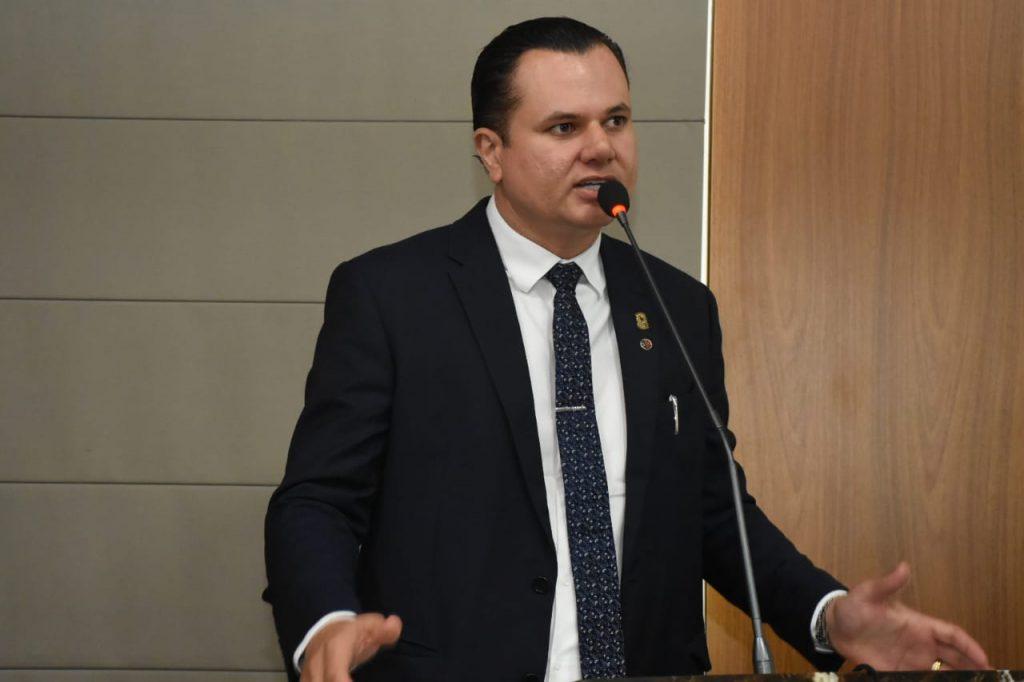 Umbelino Junior vota requerimento convocando Secretário de Governo ...